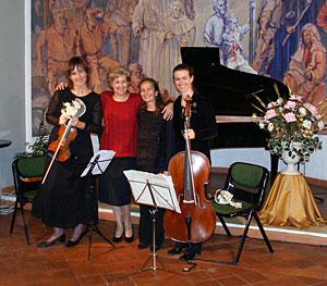 with Sonja Pahor (Viareggio 2003)